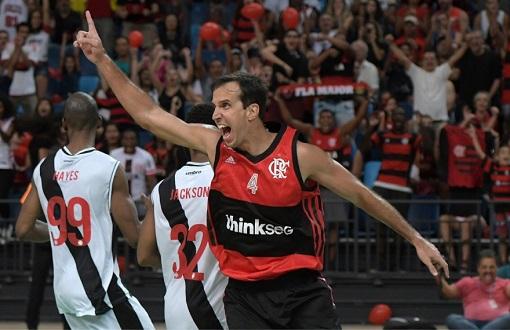 9d3af1e1a7f6b Na estreia da Arena Carioca