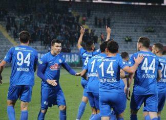 Mauricio camisa 4 comemora um dos gols do Rizespor junto a seus companheiros 324x235 - Página Inicial