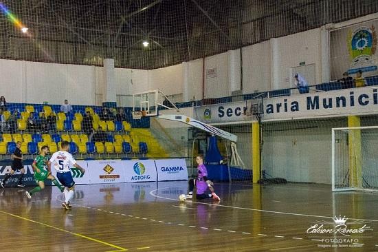 9e9e5bb259d2d Goleiro Jaime comemora gol marcado e destaca importância da vitória do São  José dos Pinhais Futsal Gamma